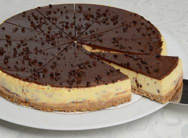 Çikolatalı Cheesecake Tarifi 2 – Kek Tarifleri
