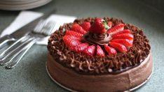 Çilekli Pasta Tarifi 2 – Pasta Tarifleri