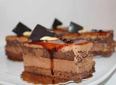 Karamelli Çikolatalı Pasta – Pasta Tarifleri