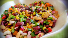 Meksika Fasulye Salatası Tarifi – Salata Tarifleri