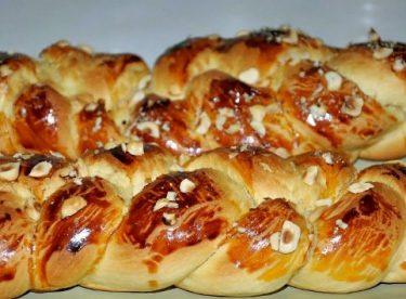 Paskalya Çöreği Tarifi – Hamur İşleri