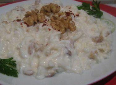 Yoğurtlu Kereviz Salatası Tarifi – Salata Tarifleri