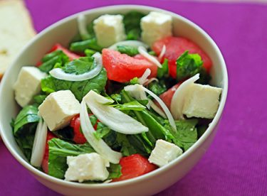 Beyaz Peynirli Salata Tarifi – Salata Tarifleri