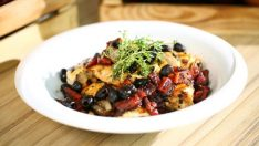 Zeytinli Tavuk Salatası Tarifi – Salata Tarifleri