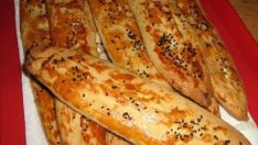 Kıymalı (Peynirli) Pide Tarifi – Börek Tarifleri