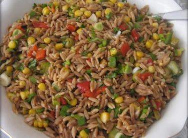 Tavuklu Şehriye Salatası Tarifi – Salata Tarifleri