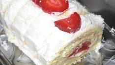 Çilekli Rulo Pasta Tarifi – Pasta Tarifleri