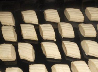 Ağızda Dağılan Pastane Un Kurabiyesi Tarifi
