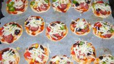 Sosisli Minik Pizza Tarifi