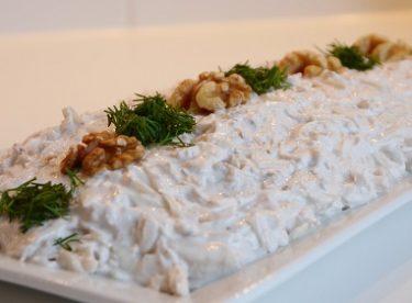 Yoğurtlu Kereviz ve Havuç Salatası