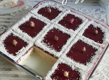 Meyveli Kedidili Pasta