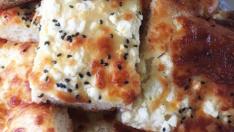 Peynirli Tepsi Çöreği