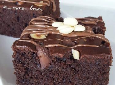 Bol Çikolatalı Fındıklı kek